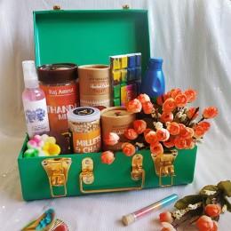 Holi Pitaaraa Gift Box