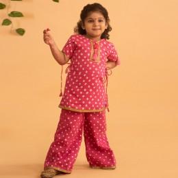 Idika Bandhani Set in - Pink