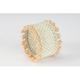 Off-White Beaded Bracelet with Pearls