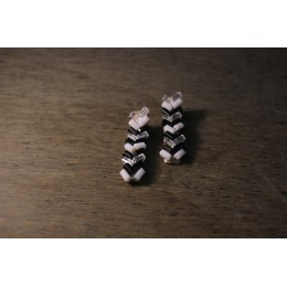 White & Black Beads Alligator Hair clip